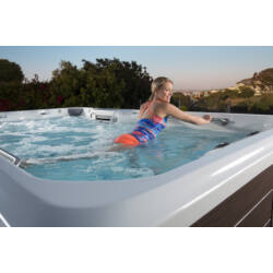 Endless Pools SWIMCROSS™ EXERCISE SYSTEMS X200