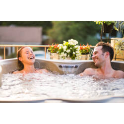 Freeflow Spas jakuzzi Azure lifestyle